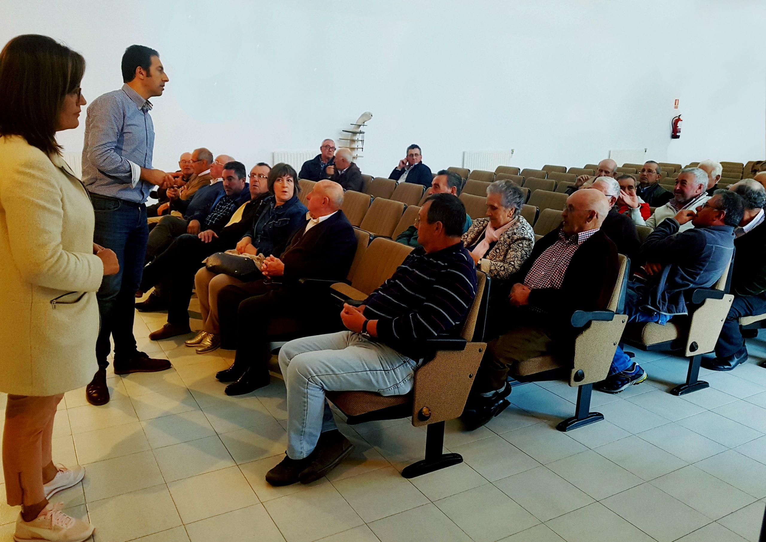 A conselleira de Medio Ambiente, Territorio e Vivenda mantivo unha reunión con representantes do Proxecto Rebinxe de Mondoñedo