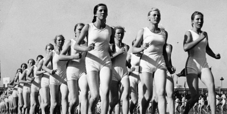 Pilates e ximnasia de mantemento na praia, actividades ao aire libre para mulleres dentro do espazo de auto coidados da Concellaría de igualdade de Ribadeo