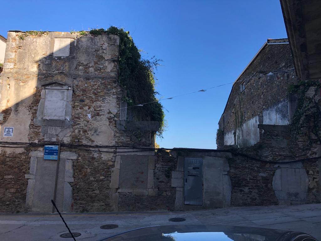 O Concello de Ribadeo vendeu os dous inmobles que tiña na rúa Vispo Veres por algo máis de 61.000€ que se destinarán a diferentes obras públicas