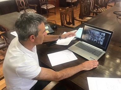 Aprobado o plan de protección do casco histórico de Ribadeo. Un fito histórico, para Fernando Suárez