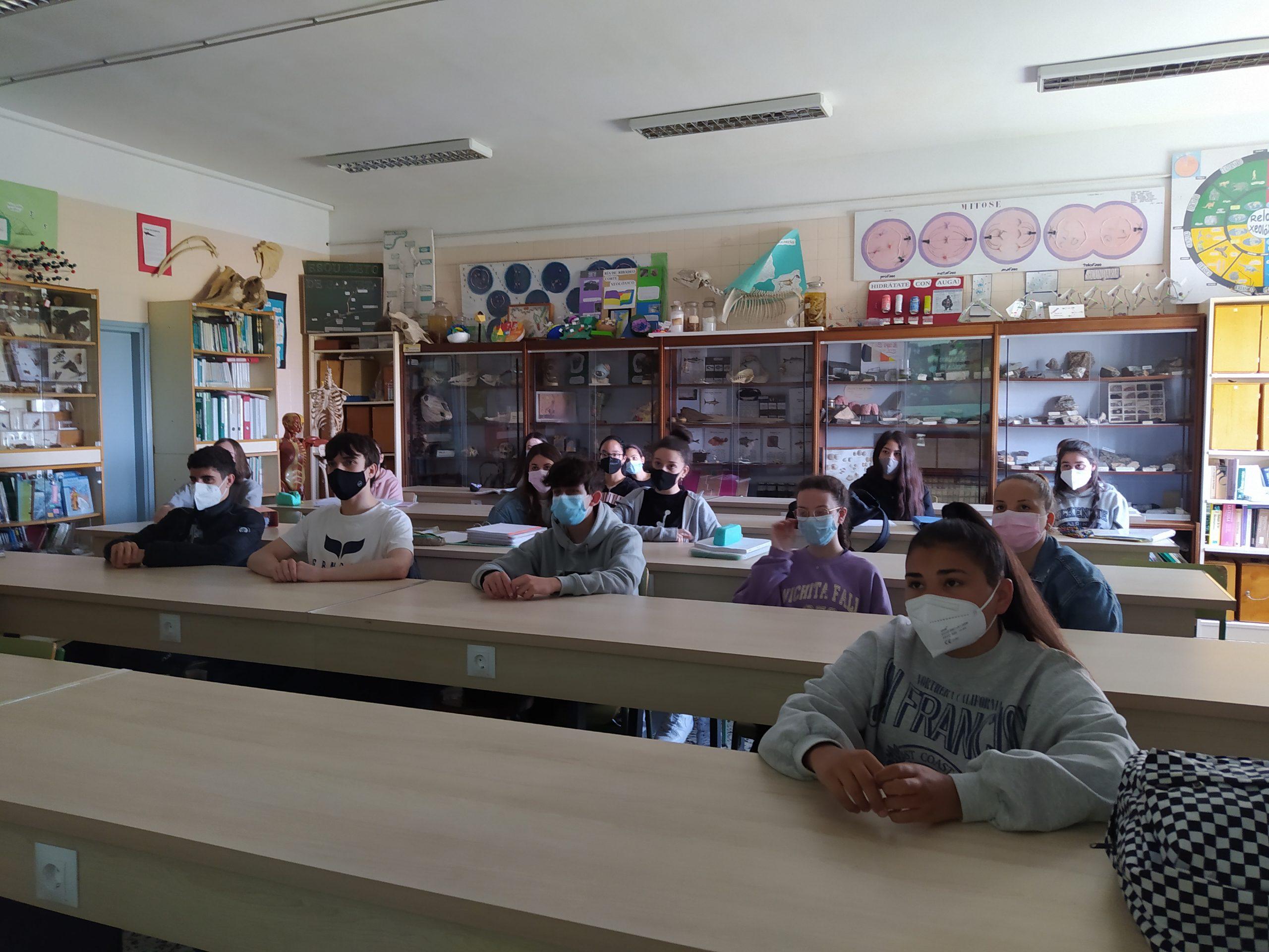 Visitas Virtuais aos Museos Científicos Coruñeses e ó Xacemento de Atapuerca na XXVI Feira da Ciencia do IES Ribadeo Dionisio Gamallo