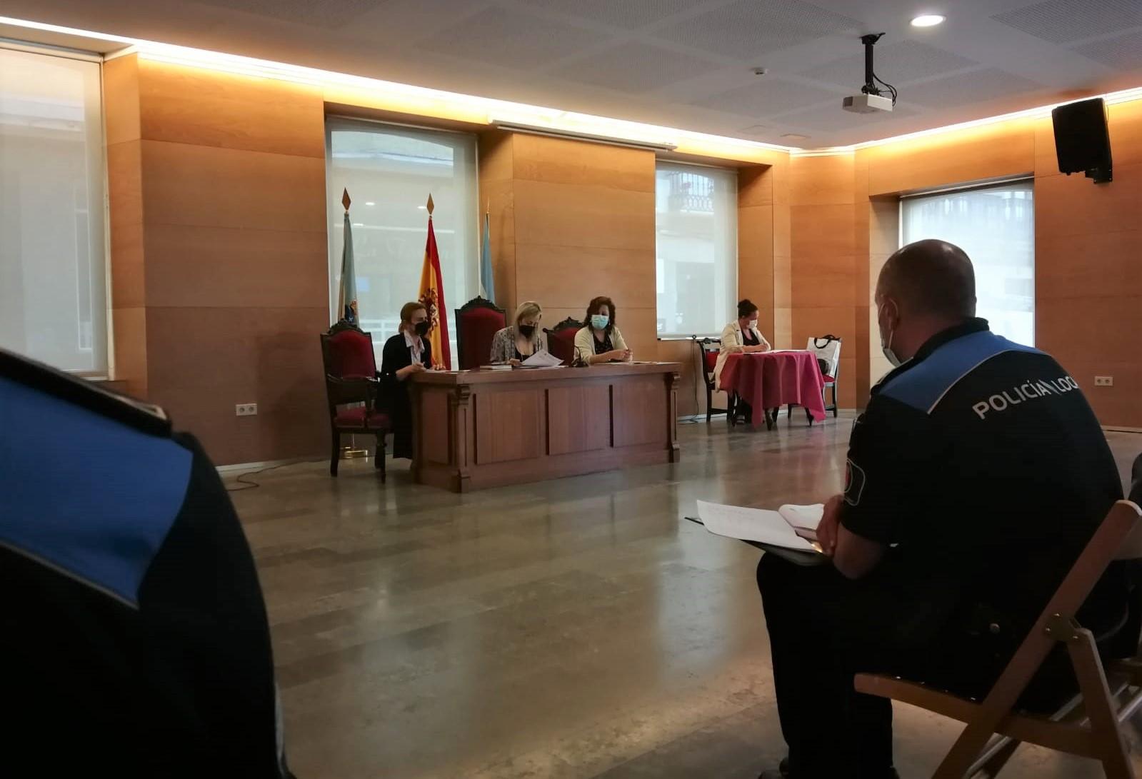 A Mesa Local de Coordinación Contra a Violencia de Xénero de Viveiro analiza a situación das vítimas activas no Concello para atender as súas necesidades