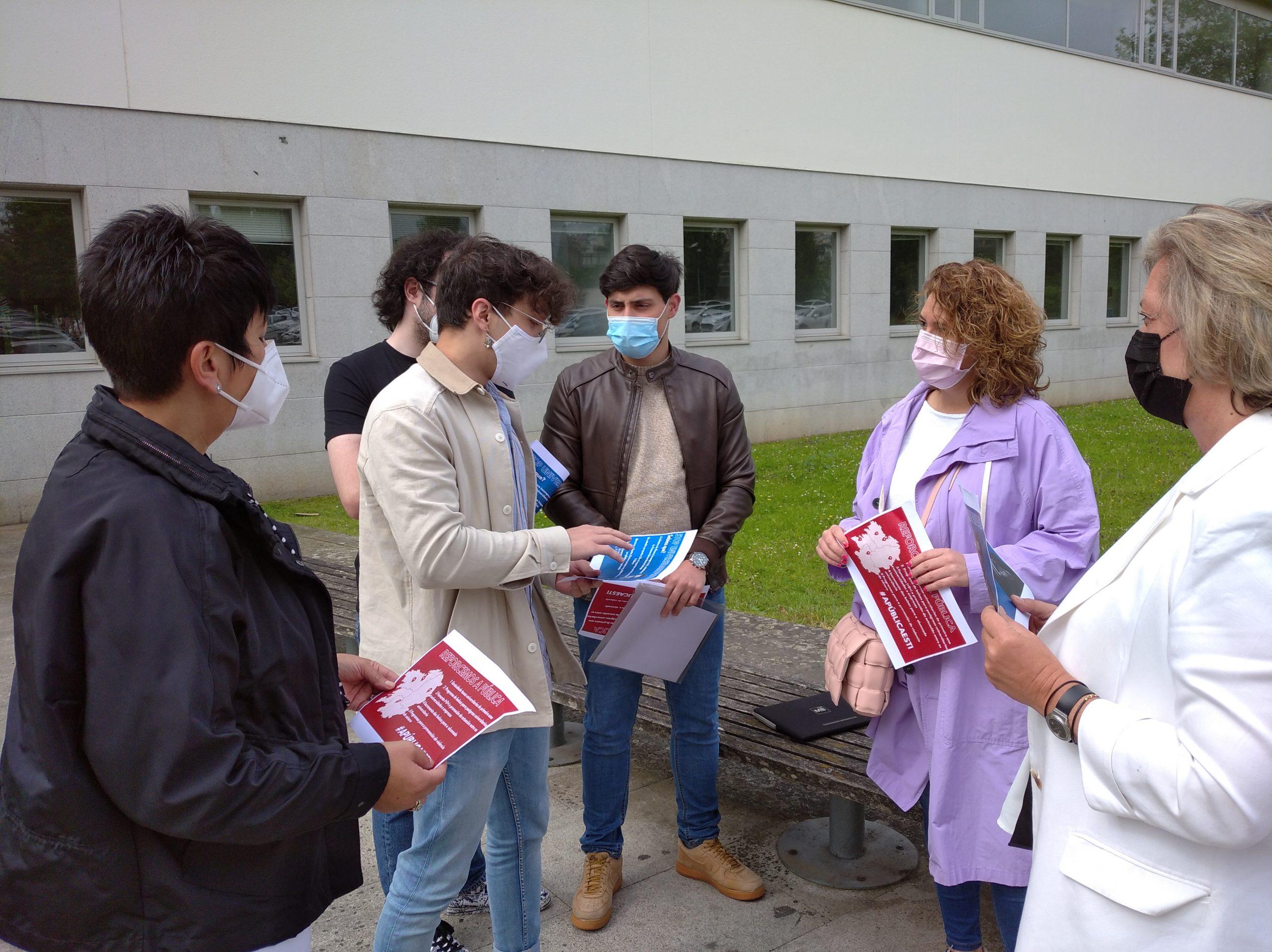 """Os socialistas reivindican a universidade pública """"fronte aos recortes e ao proxecto privatizador do PP"""""""