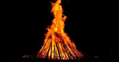 Prohibidas un ano máis en espazos públicos de Ribadeo as fogueiras de San Xoán e de San Sedro