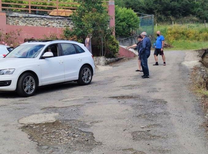 O PP de Viveiro insta á reparación das dúas vías de acceso ao barrio de As Pallaregas