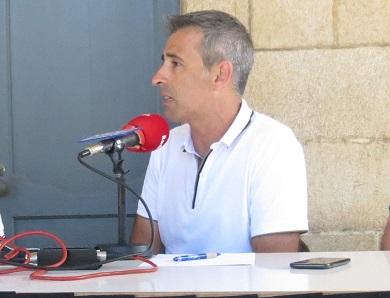 Fernando Suárez dá positivo en covid-19. Atópase en bo estado, polo que traballará dende o seu domicilio para manter o normal funcionamento do Concello