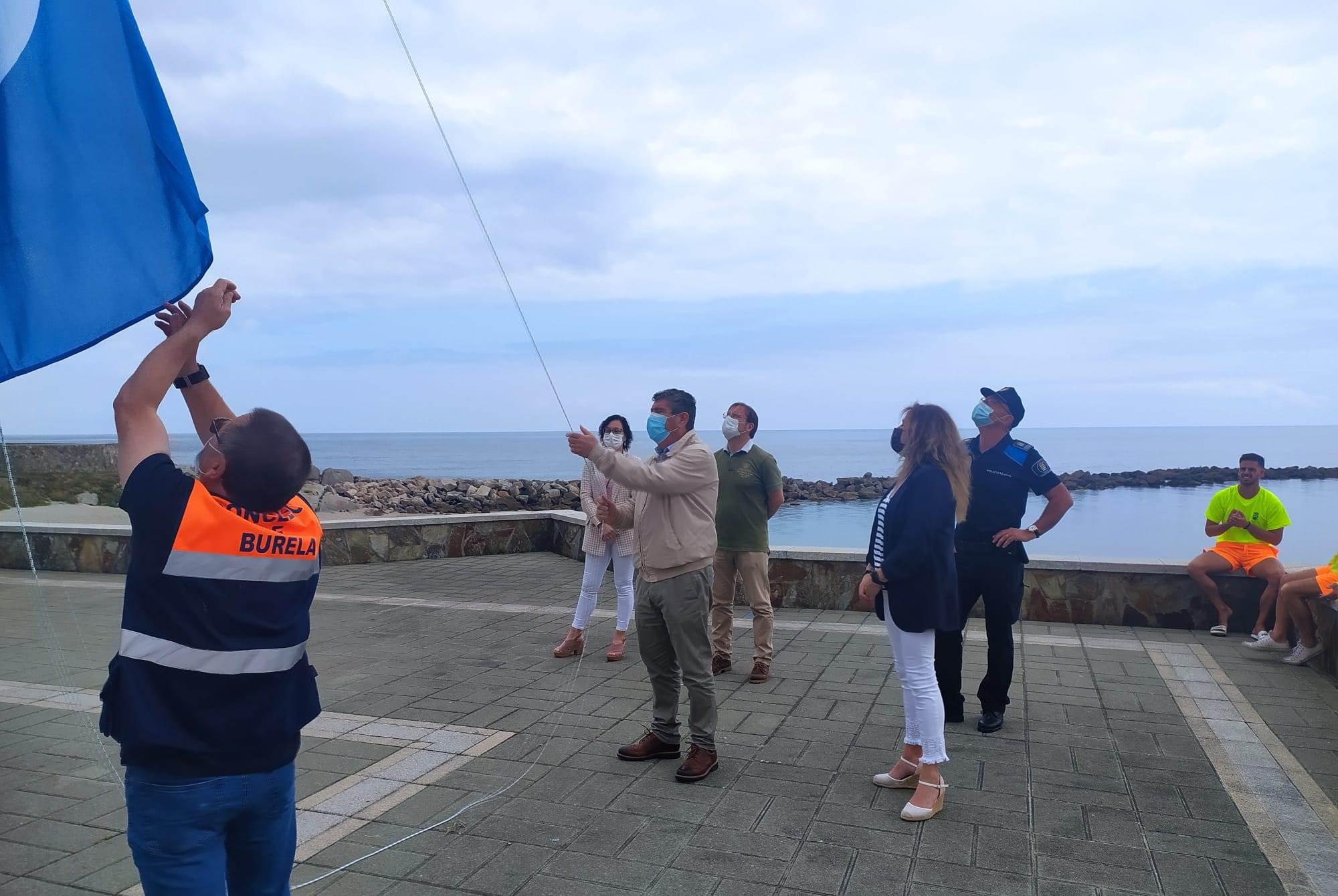 Izadas as bandeiras azuis nas praias da Marosa e do Portelo