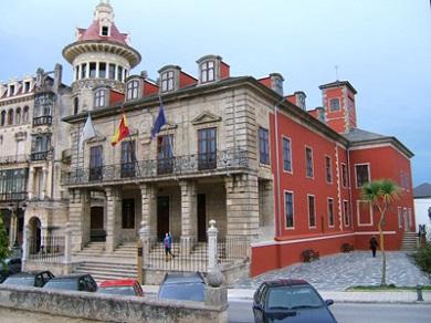 O Concello concede licenza para a construción dun edificio de 39 vivendas e pensión no encontro das rúas Lodeira e Irmáns Suárez Couto de Ribadeo