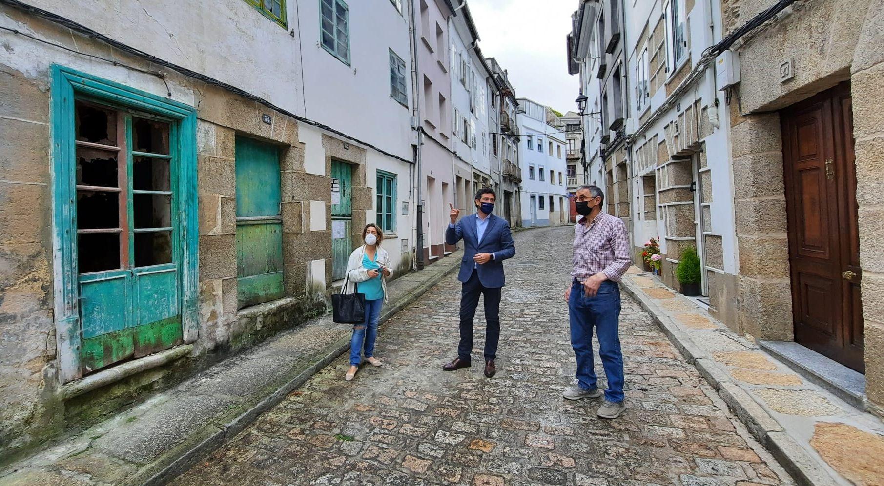 A Xunta licita a redacción dos proxectos para a rehabilitación de trece inmobles adquiridos no casco histórico de Mondoñedo