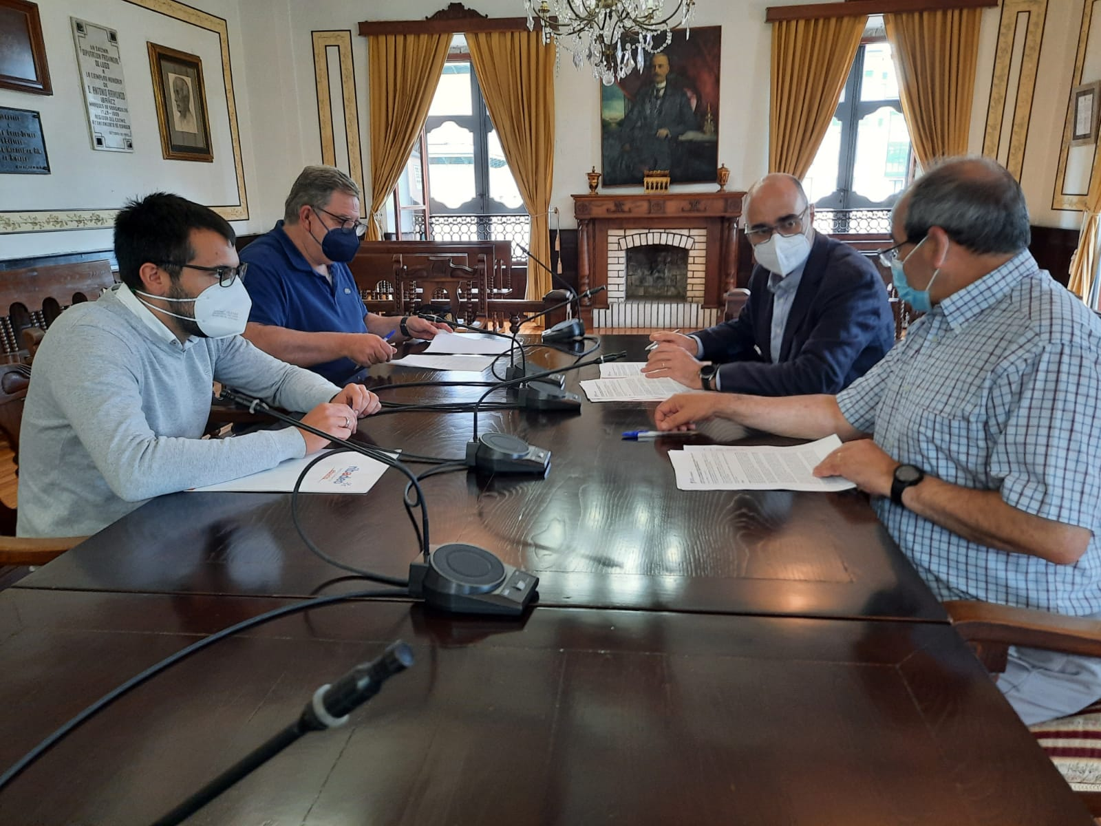 Asinado o convenio entre Concello e Acisa para apoiar ao comercio e ao sector servizos