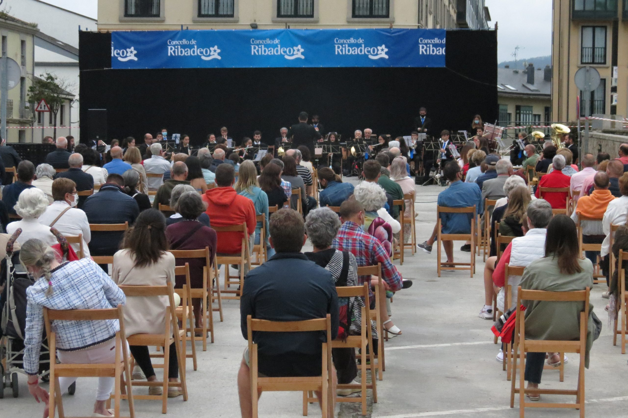 A Banda de Ribadeo ofreceu o seu tradicional concerto do Día da Patria no que debutaron dúas músicas