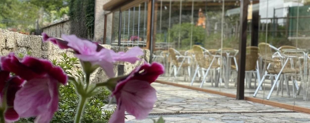 O hotel Vila do  Val, de Ferreira do Valadouro, celebra o seu décimo terceiro aniversario este domingo, día 4