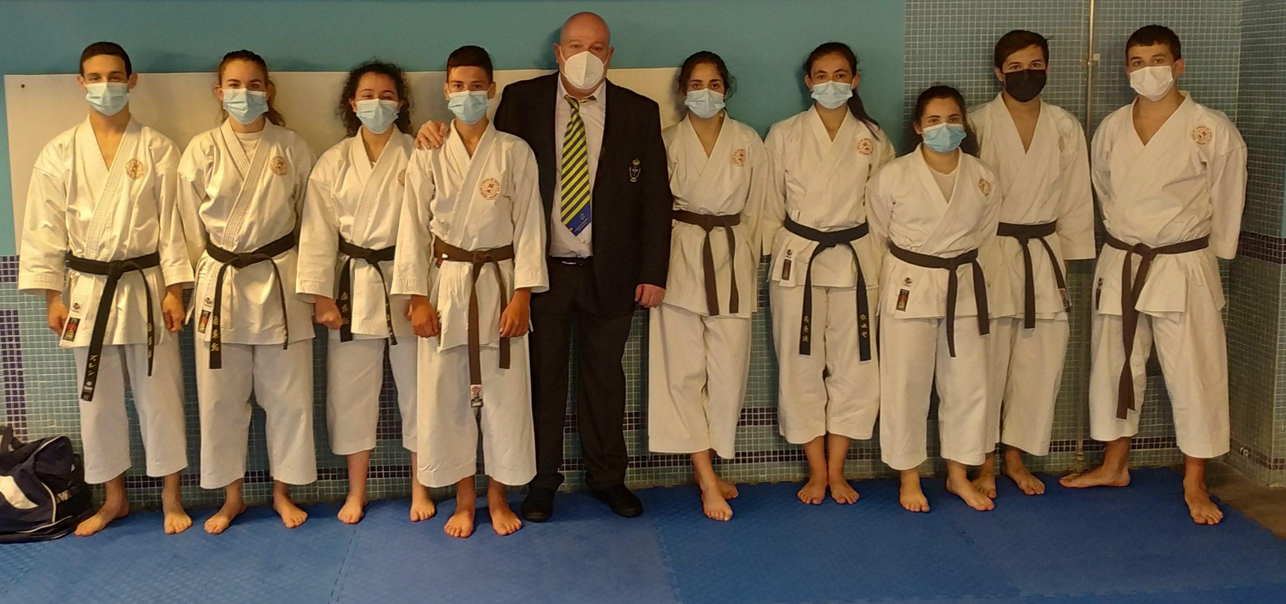 O Club de Karate Shitokai volve de Oviedo con máis e mellores cintos negros