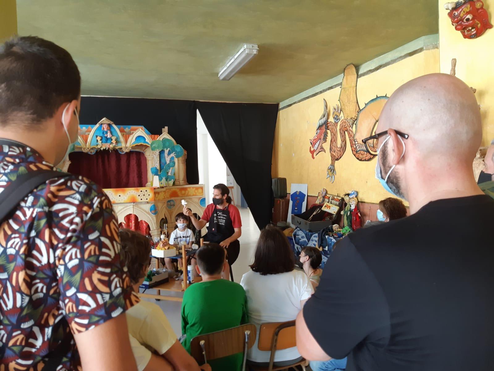 """Os roteiros de """"Lugo é Artesanía"""" arrancaron este sábado en Mondoñedo, con todas as prazas cubertas"""