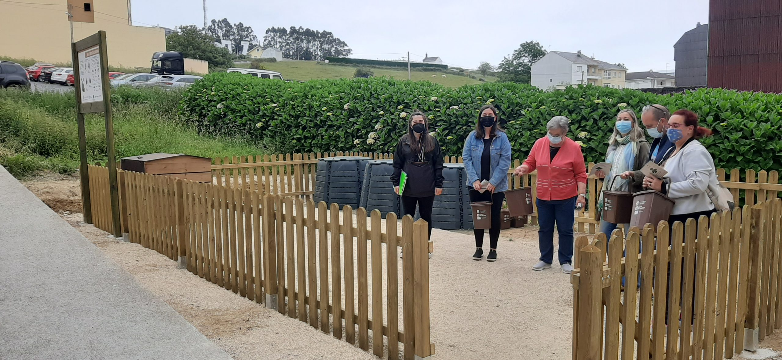 Éxito de participación no primeiro mes da compostaxe comunitaria de Foz