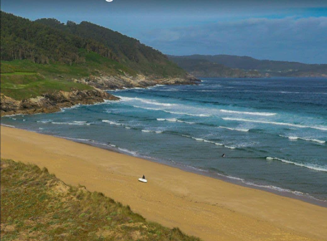 Solicitan ao Ministerio que denegue as aterraxes da eólica mariña a través das praias