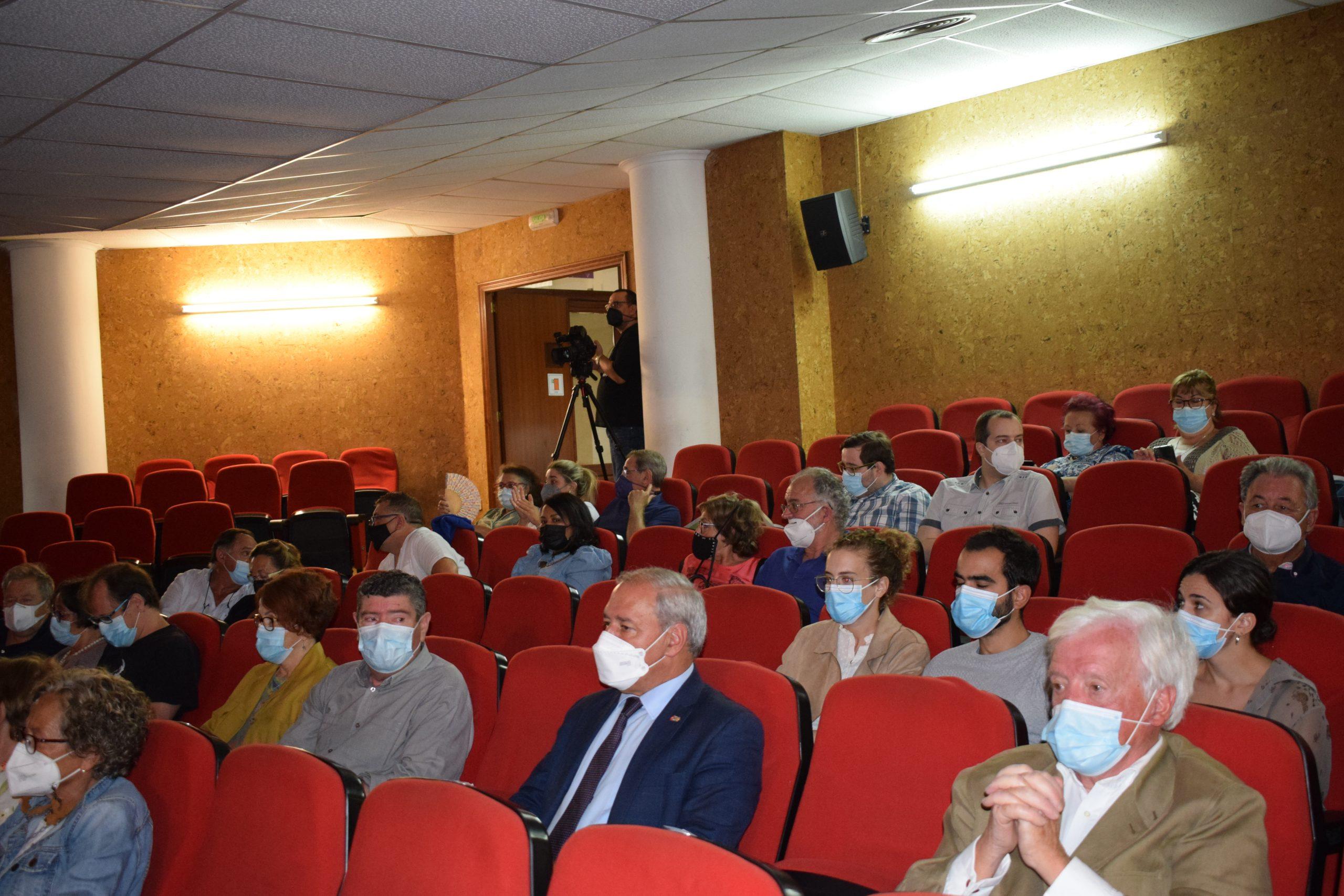 Tomé asiste ao concerto da cantaora María Toledo dentro da programación do Festival Bal y Gay