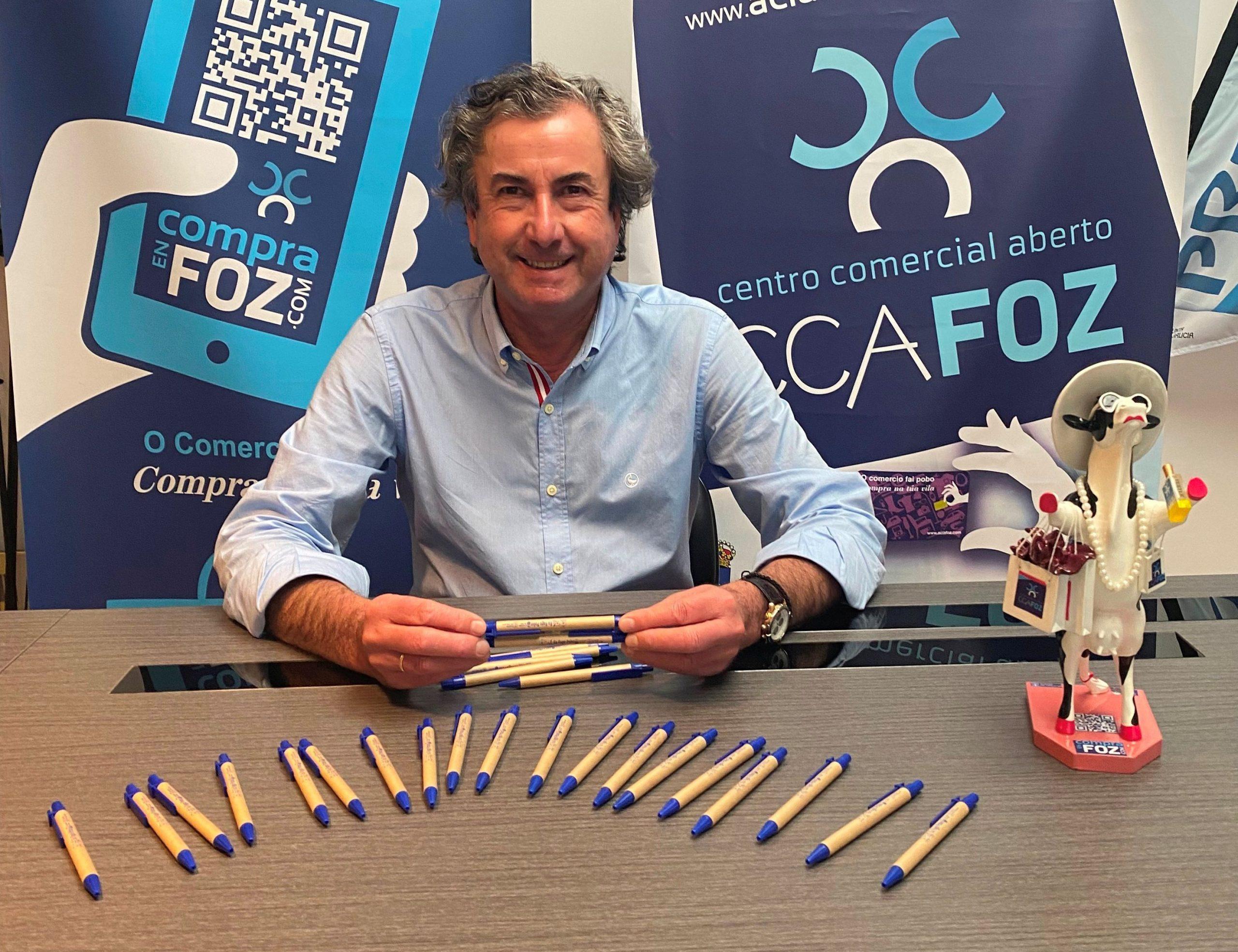 'Eu fago pobo', a nova campaña de concienciación de ACIA Foz CCA na que repartirá entre os centros de ensino e os locais 4.000 motivos en apoio do comercio local