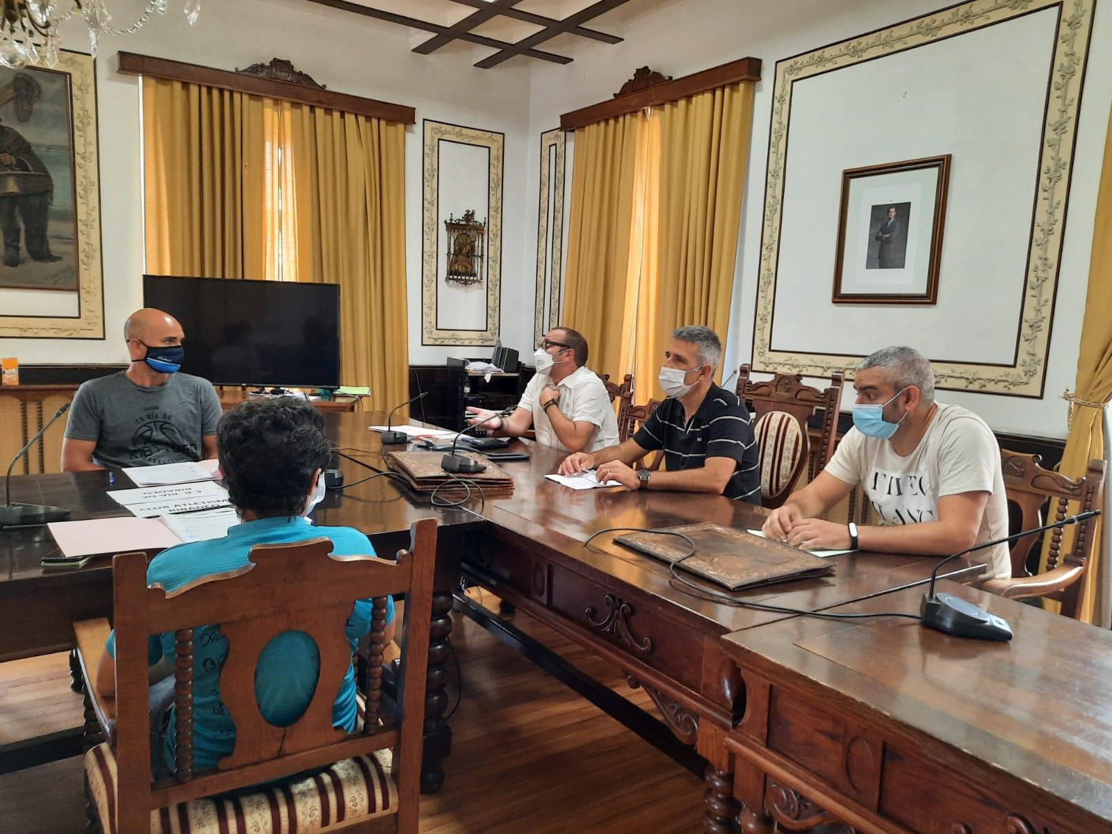 O Concello de Ribadeo asinou os  convenios para a concesión de subvencións nominativas a 11 clubs deportivos