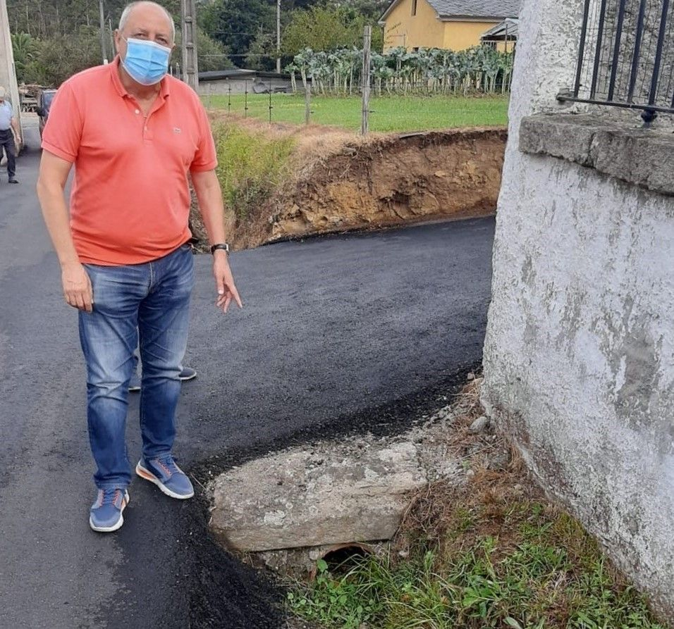 O PP acusa ao goberno local de ter totalmente abandonadas ás parroquias de Viveiro