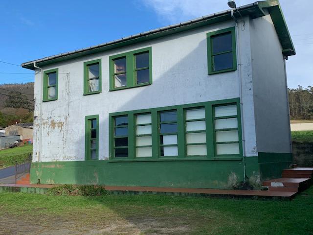 O Concello de Ribadeo realizará melloras na escola de San Vicente de Covelas