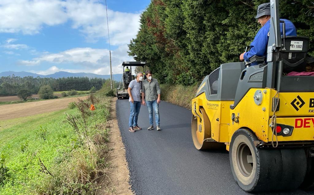 Obras na parroquia ribadense de Covelas, no camiño que vai desde As Anzas a Saa, por Salcedo