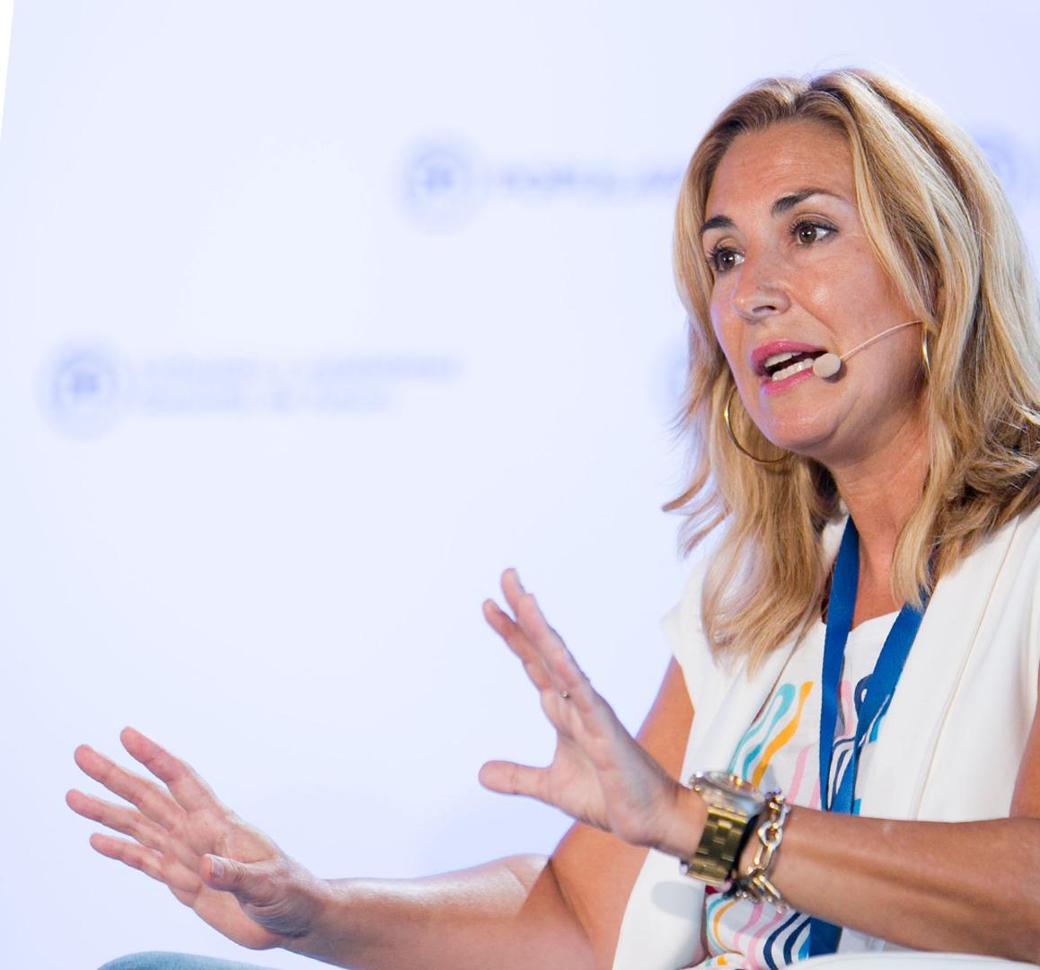 Feijóo e Ana Beltrán arrouparán a Elena Candia na súa reelección como presidenta provincial