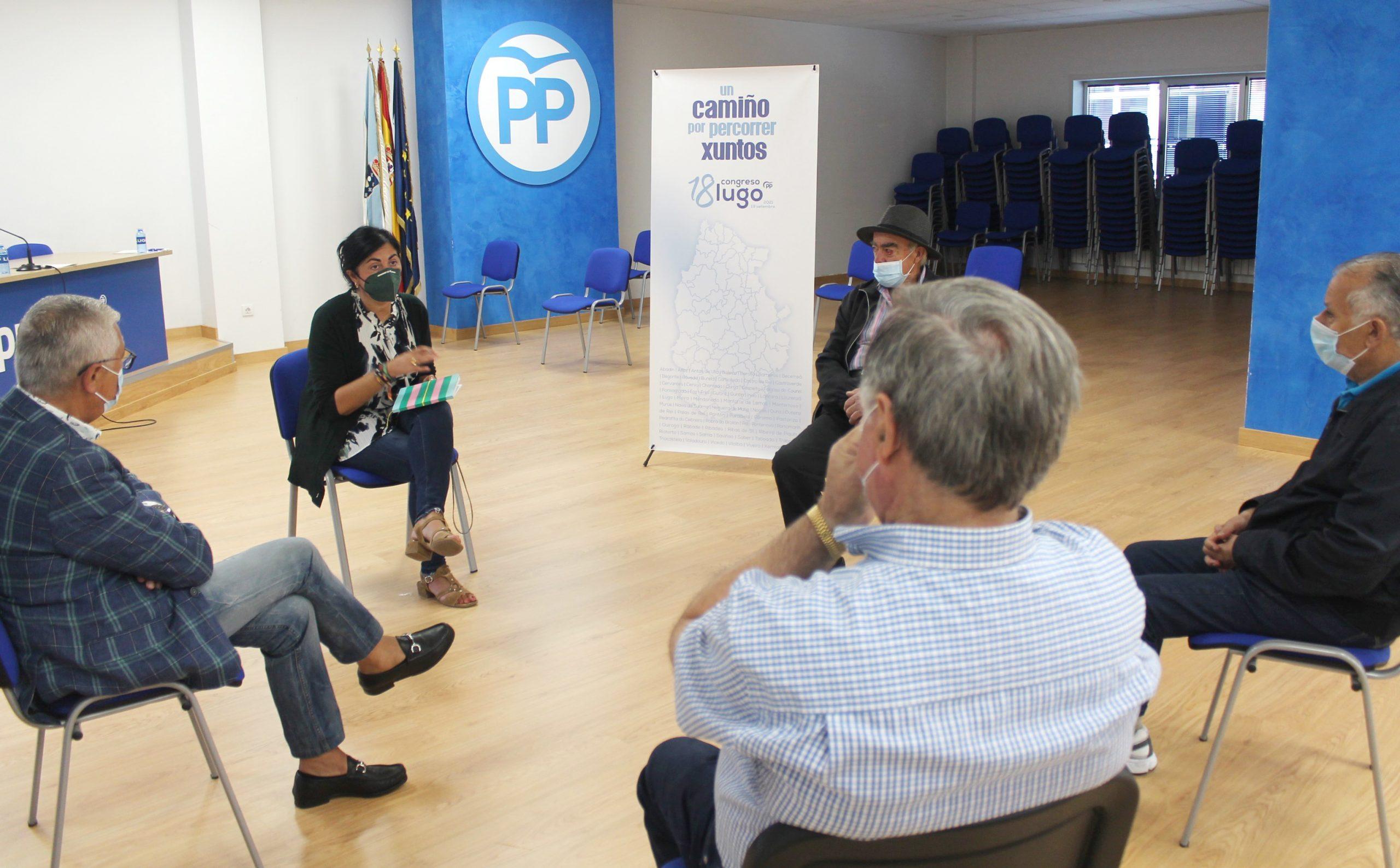 """Elena Candia centra as accións da súa campaña no recoñecemento á fidelidade da afiliación e en encontros para """"escoitar"""" á militancia e aos compromisarios"""