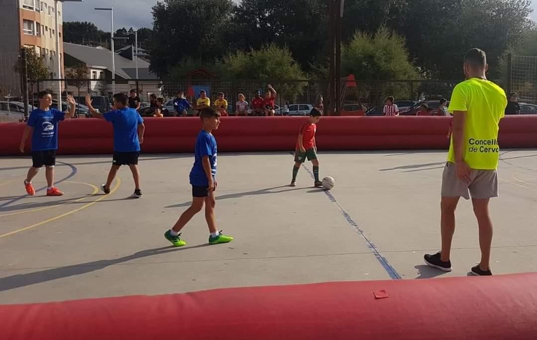 Torneo de fútbol sala 3x3 nas Noites Alternativas de Cervo