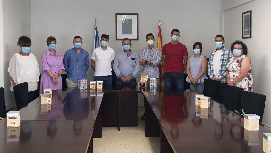 Recoñecemento da Corporación Municipal de Alfoz aos meles