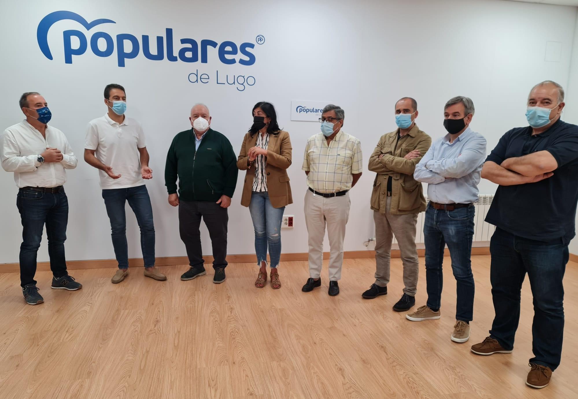 """Os alcaldes populares demandan unha """"estratexia nacional"""" para non perder servizos bancarios nos concellos lucenses"""
