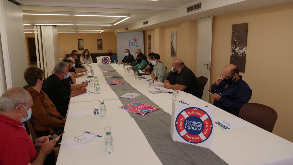 A Plataforma Sanitaria reuniuse co BNG e trasladoulle a problemática da sanidade pública na comarca