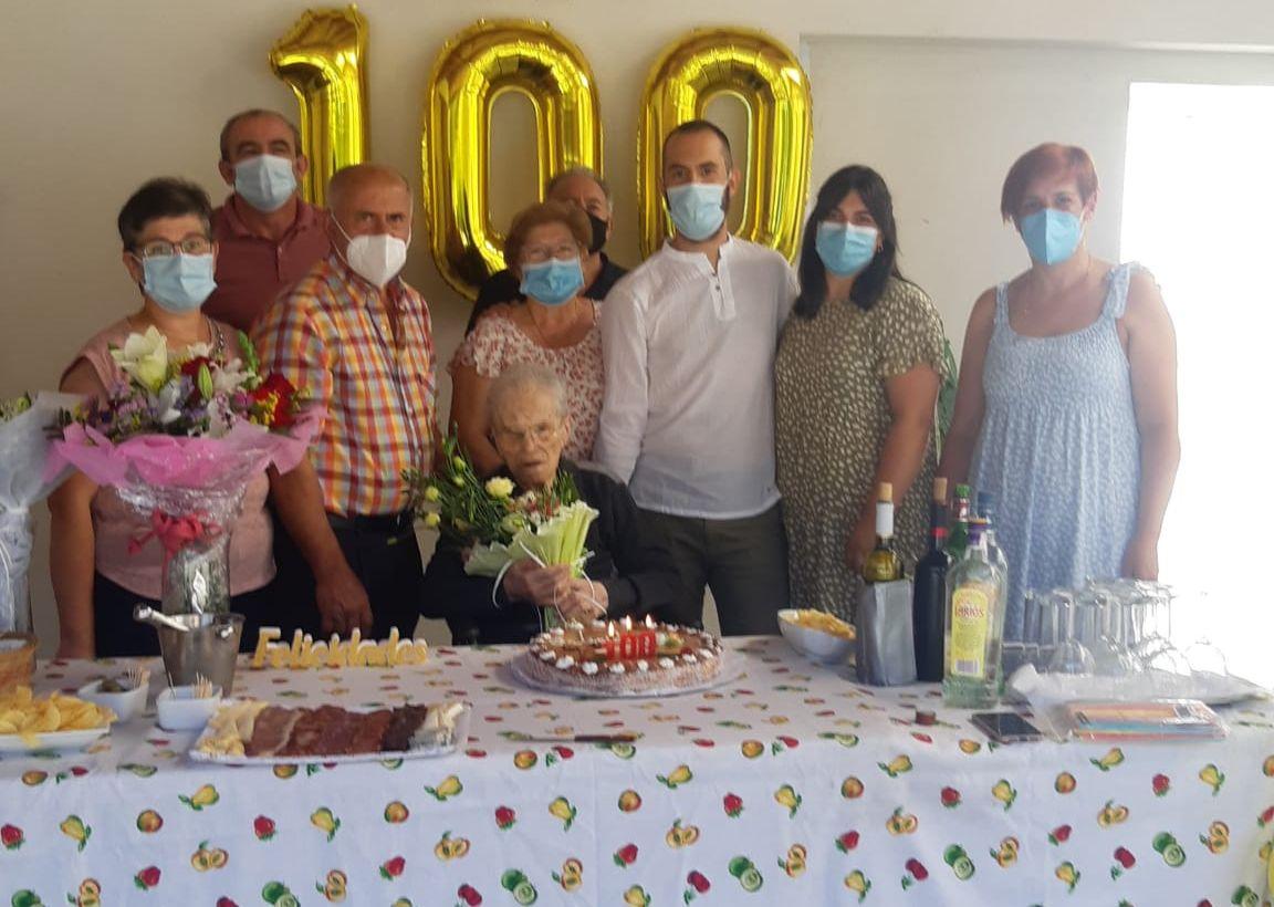 A Pontenova conta cunha nova centenaria, Herminia Iravedra
