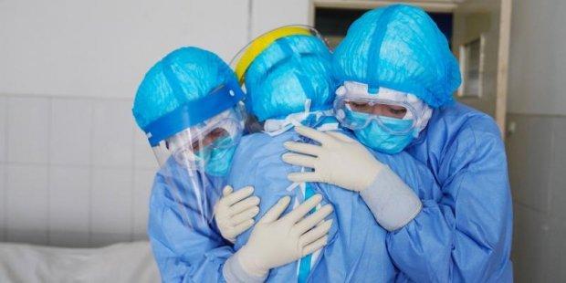 Homenaxe en Foz aos profesionais esenciais durante a pandemia