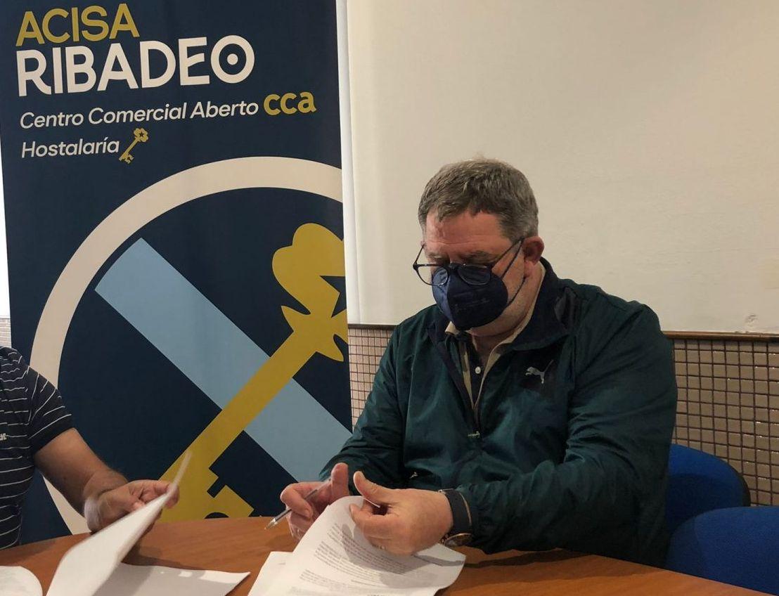 O Vencello denuncia a saturación laboral dos profesionais no centro de saúde de Burela debido á falta de persoal