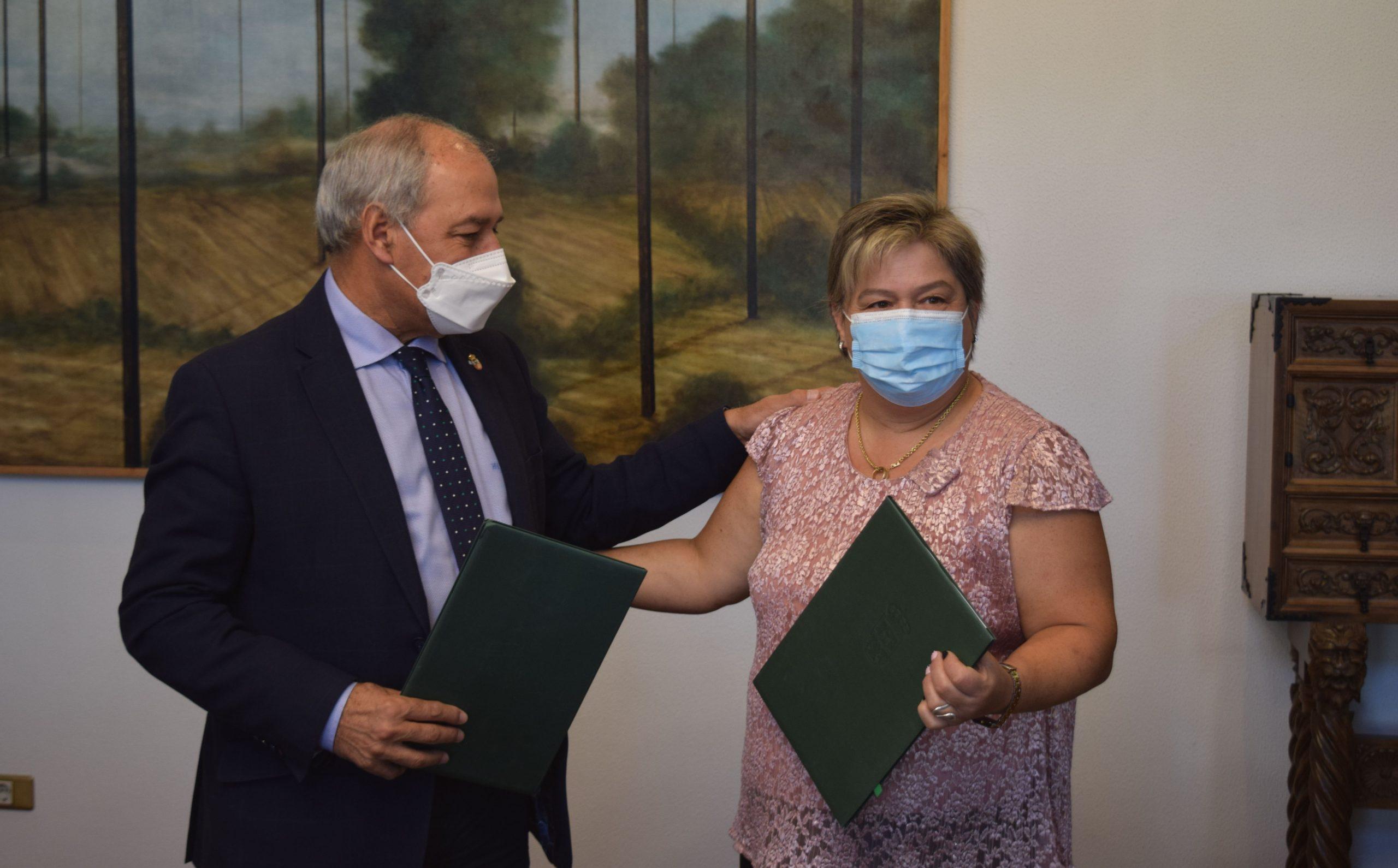 Ethel Vázquez anuncia a licitación das obras de renovación do firme nos accesos dos hospitais públicos da provincia cun investimento da  xunta de 486.000 euros