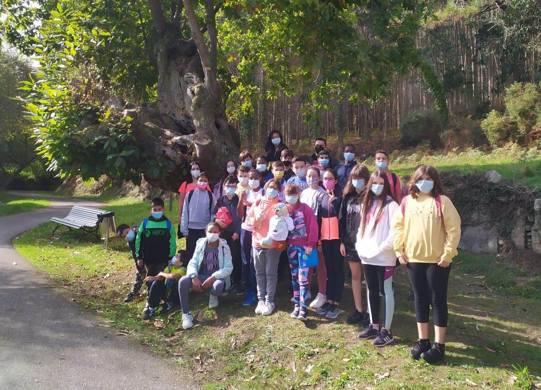 Este xoves alumnos de 6° de Primaria do CEIP Vista Alegre realizaron unha excursión por Burela coas monitoras de Gaia