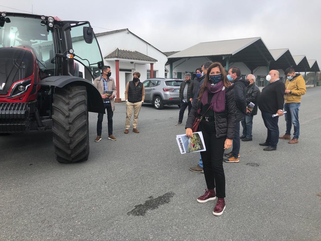 A directora xeral de Relación Laborais, Elena Mancha, clausurou en Castro de Rei unha xornada de prevención de riscos organizada pola Asociación Agraria de Galicia