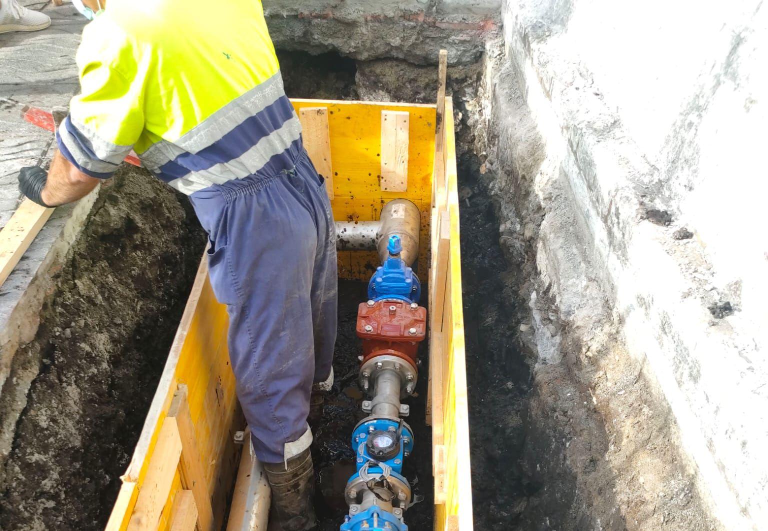 Instalados 7 equipos de medición na rede de abastecemento de auga de Burela para detectar con maior celeridade avarías ou posibles fugas