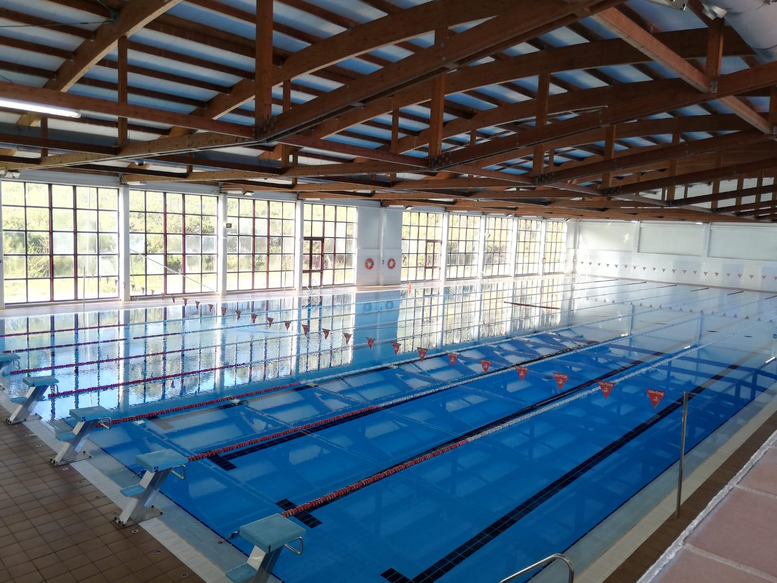 Entrada libre e sen cita previa de novo na piscina olímpica de Cervo