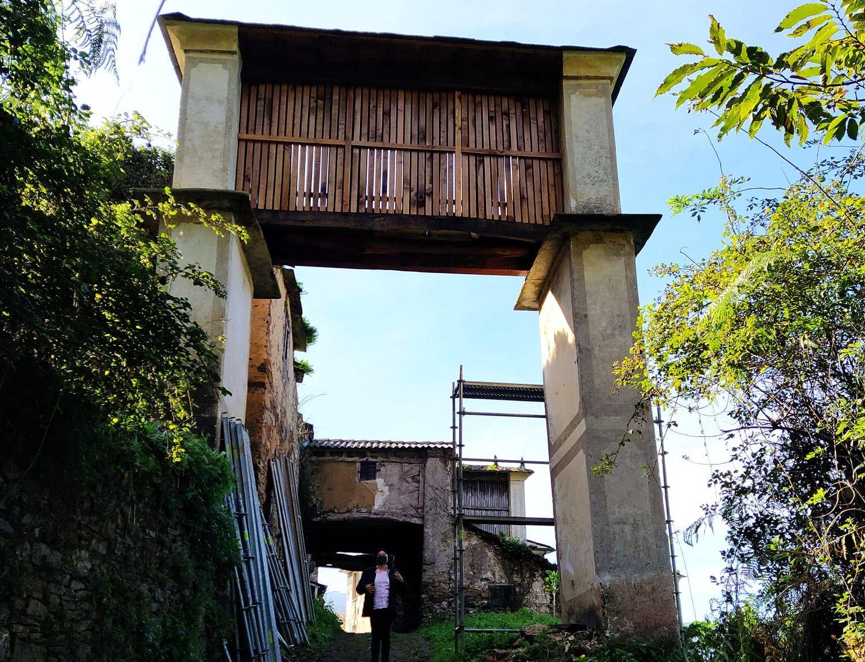 O Concello de Mondoñedo rehabilita un hórreo no trazado do Camiño Norte