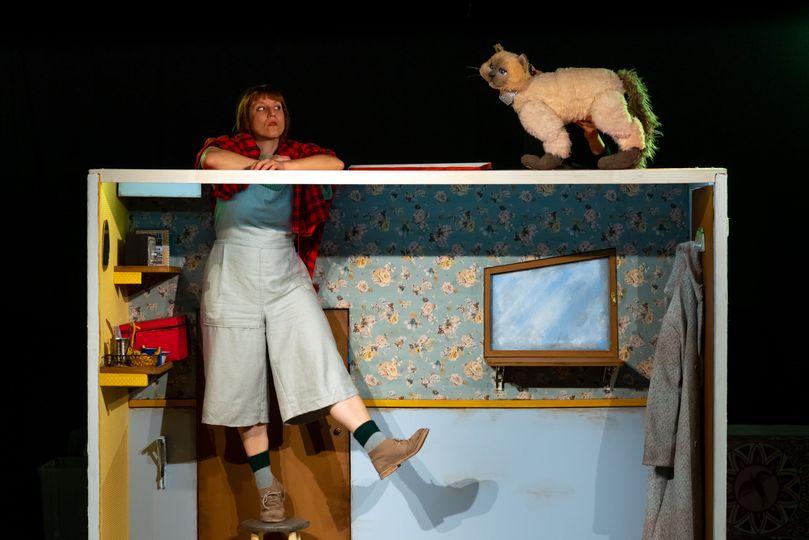 Caramuxo teatro trae este sábado ao Pastor Díaz 'A nena que vivía nunha caixa de mistos'
